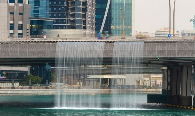 dubai-canal-waterfall