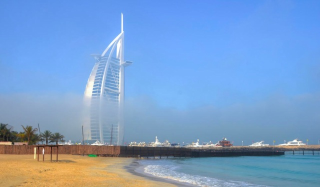 burj-al-arab-fog